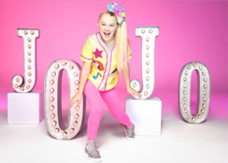 JoJo Siwa is touring Australia